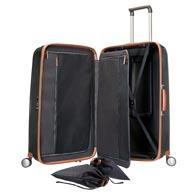 Aufwändige Innenausstattung mit flexiblem Packrahmen und praktischen Fächern und Taschen.