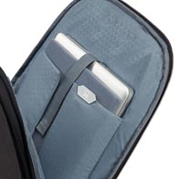 Compartiment adaptable Perfect-Fit™ pour ordinateur portable, pouvant accueillir ordinateurs portables, MacBook et Ultrabook récents jusqu'à 17,3″.